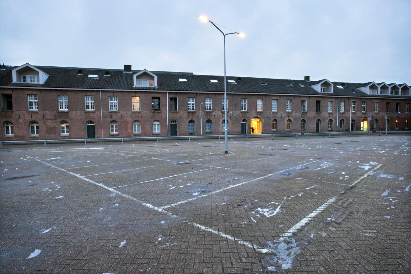 De Lange Stallen in Breda, met op de voorgrond de Mols Parking.