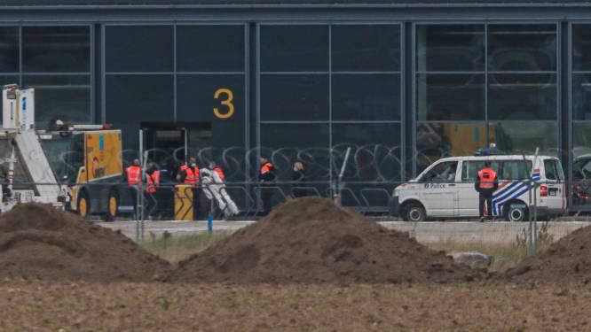 Dag twee in reconstructie Jozef Chovanec gaat van start, betrokken agenten zijn aanwezig