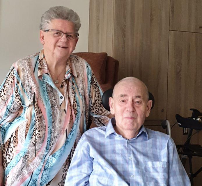Piet en Dina van Oversteeg uit Sprang-Capelle.