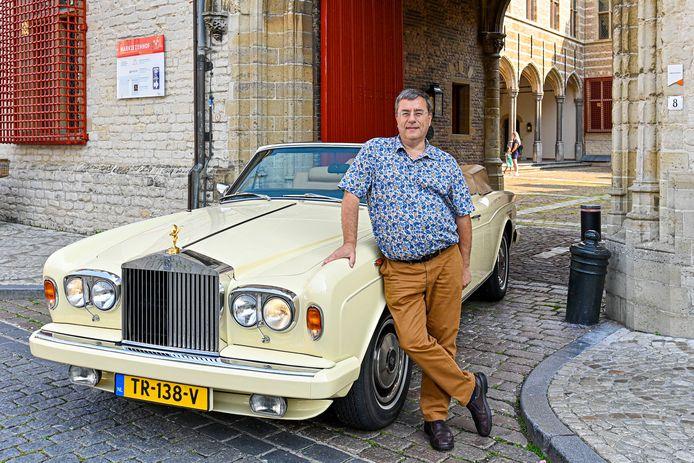 Bergenaar Pierre Dietvorst samen met zijn grote passie: Rolls Royce.