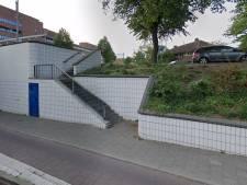 29-jarige man van trap geduwd bij spoorviaduct in Hilversum
