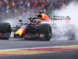 Max Verstappen verovert in natte omstandigheden pole in Spa-Francorchamps, Lando Norris crasht zwaar