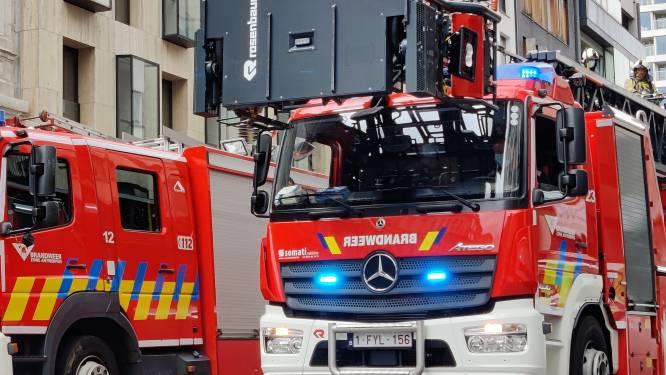 Appartementsgebouw in Deurne in brand na dakwerken
