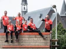 Deelnemers Survival Run in Loil bedwingen coronahindernis