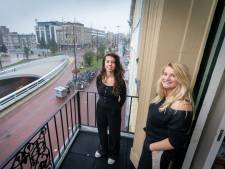 Lyan en Emma wonen naast de brokkenbak: 'Geen overlast, behalve van motorrijders'