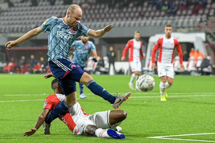 Davy Klaassen maakt de 0-1.