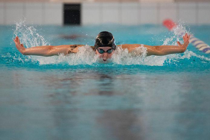 Roos Vanotterdijk op training in het Wezenbergzwembad in Antwerpen.