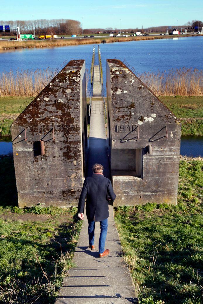 De doormidden gezaagde bunker is sinds 2010 een bezienswaardigheid.