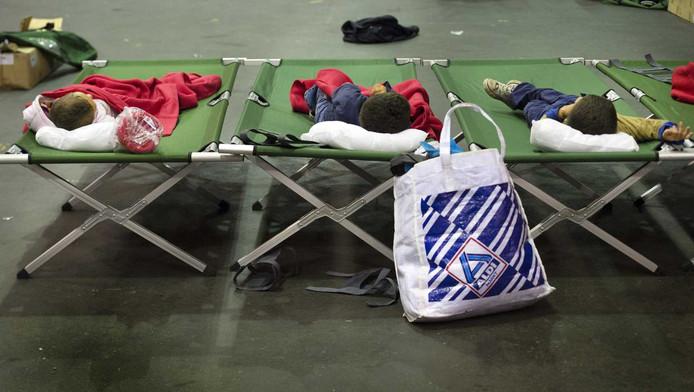 Vluchtelingen in de IJsselhallen in Zwolle
