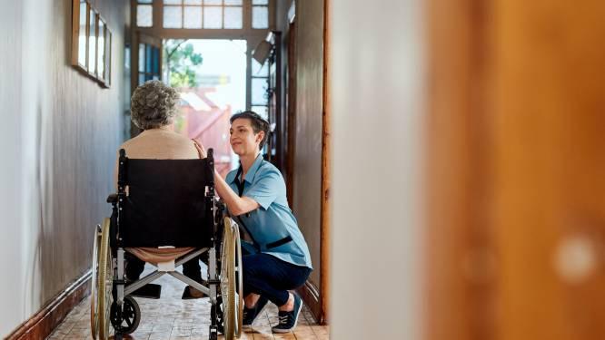 Zorgbehoevende langer in de wachtkamer in Eindhoven, gemeente verzuipt in het aantal aanvragen voor zorg