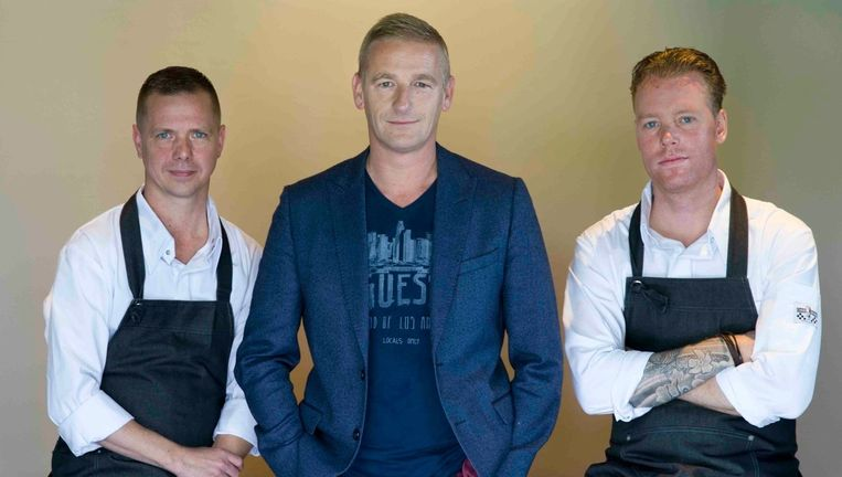 vlnr: Chef Michel van Dijk, Stefan van Sprang en Wessel Ruijmgaart. Beeld Anko Stoffels