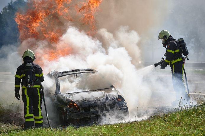 Autobrand op A58