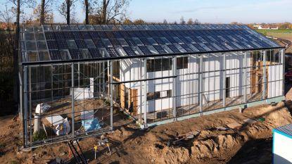 Primeur in België: gezin verhuist naar huis dat in serre staat