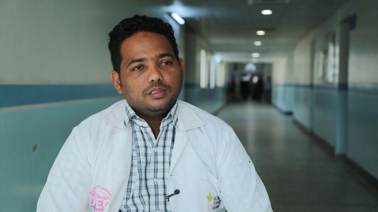 Khalid Mohamed, ziekenhuisapotheker en vader van een pasgeboren baby met afwijkingen Beeld Mahmoud Elsobky