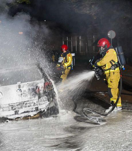Autobrand in Wezelstraat in Eindhoven