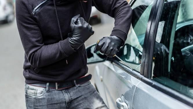 Twintigers die met trein naar Sint-Martens-Latem reisden om wagens en fietsen te stelen veroordeeld tot twee jaar cel