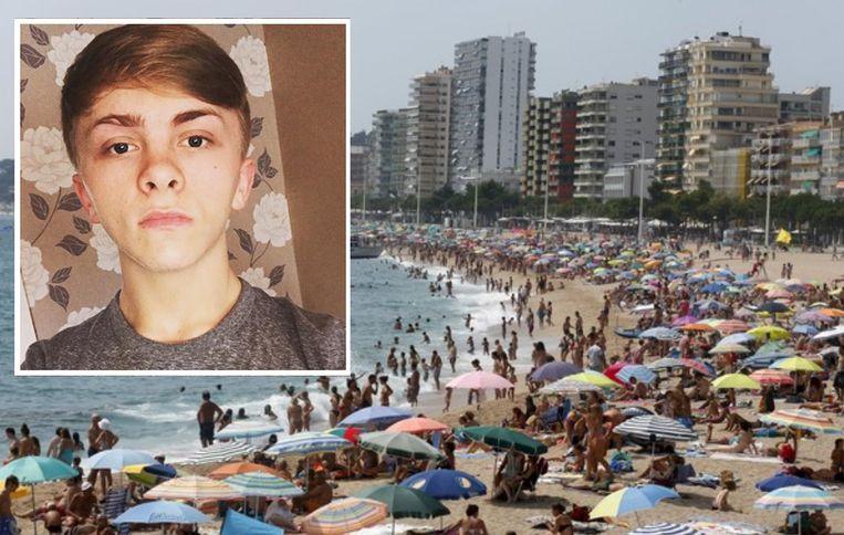 Strandgangers in Platja d'Aro aan de Costa Brava. Inzet: Aiden Dugdale (19).