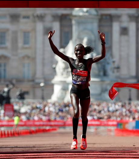 Cheruiyot verrast met marathonzege in warm Londen