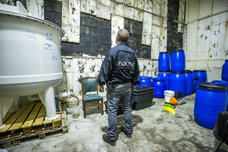 De politie onderzoekt een bedrijf dat op grote schaal crystal meth produceeert in Limburg. Beeld ANP