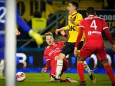 Azzagari belangrijk voor NAC: 'Ik voelde een stap op mijn voet, penalty'