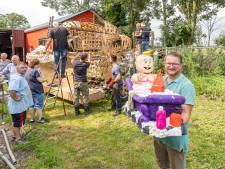 Eindelijk een praalwagen bouwen, al is het niet voor het corso maar voor het dahliafestival in Vollenhove