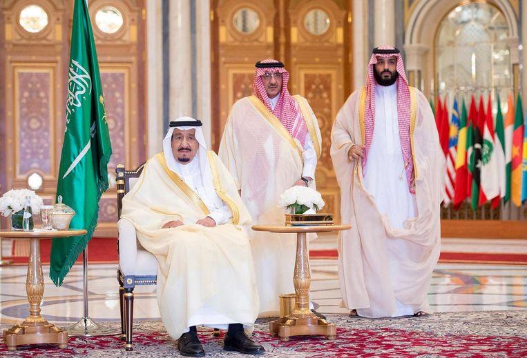 V.l.n.r.: koning Salman bin Abdulaziz, prins Muhammad bin Nayef en prins Mohammad bin Salman. Beeld epa