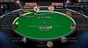 De nieuwbakken miljonair 'Daenarys T' aan de pokertafel tijdens zijn overwinning