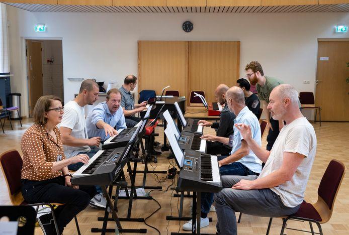 De piano-bootcamp in het Parochiehuis in Bakel.