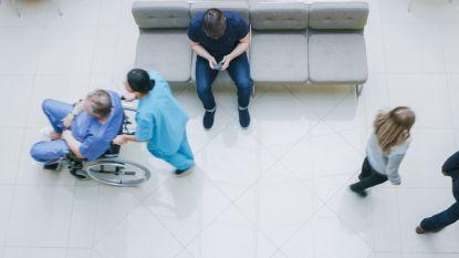 Vandaag aan het werk bij de bank, morgen in het ziekenhuis