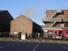 'Échte', uitslaande brand in het oefencentrum van de brandweer: dak in lichterlaaie