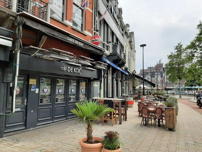 Café De Kok aan de Heuvelring.