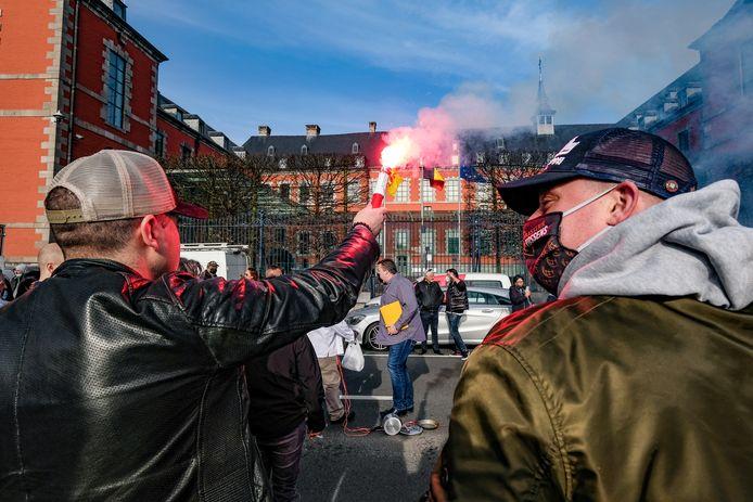 Manifestation devant le parlement wallon à Namur ce jeudi 25 février.