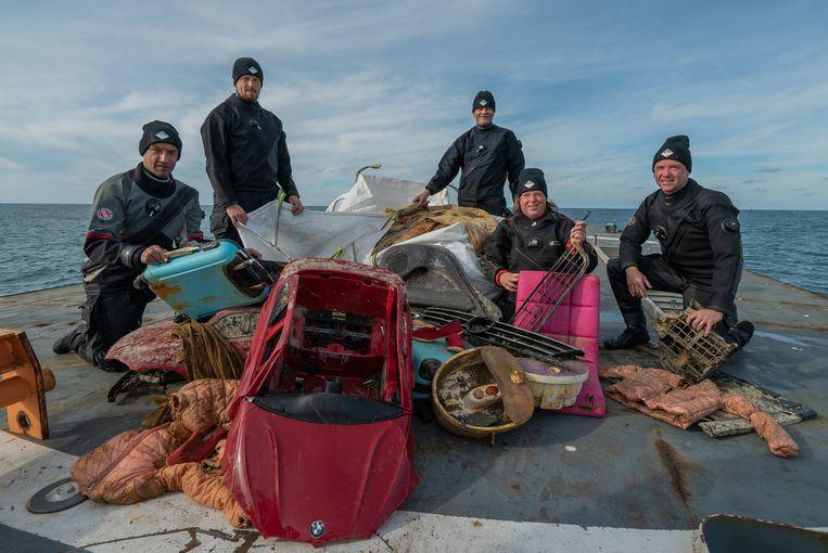 Tijdens 14 expedities zijn in totaal 6700 duiken op 160 wrakken gemaakt. Beeld Onderwaterbeelden.nl