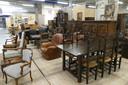Eiken meubelen doen het in Schijndel nog steeds goed. In Geldrop al een tijd niet meer.