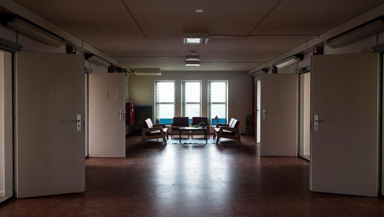 Een deel van de voormalige Bijlmerbajes in Amsterdam wordt tijdelijk als hotel ingericht. Asielzoekers gaan het hotel runnen om werkervaring op te doen. Beeld Rink Hof