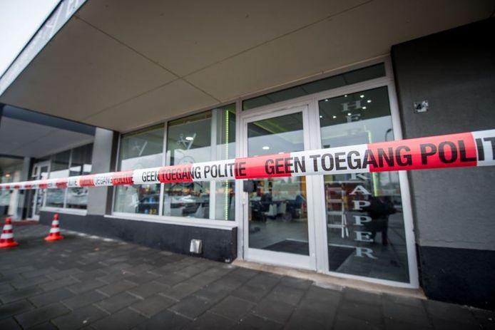 De man wordt er van verdacht dat hij ook achter de aanslag op de Enschedese kapper (foto) zit.