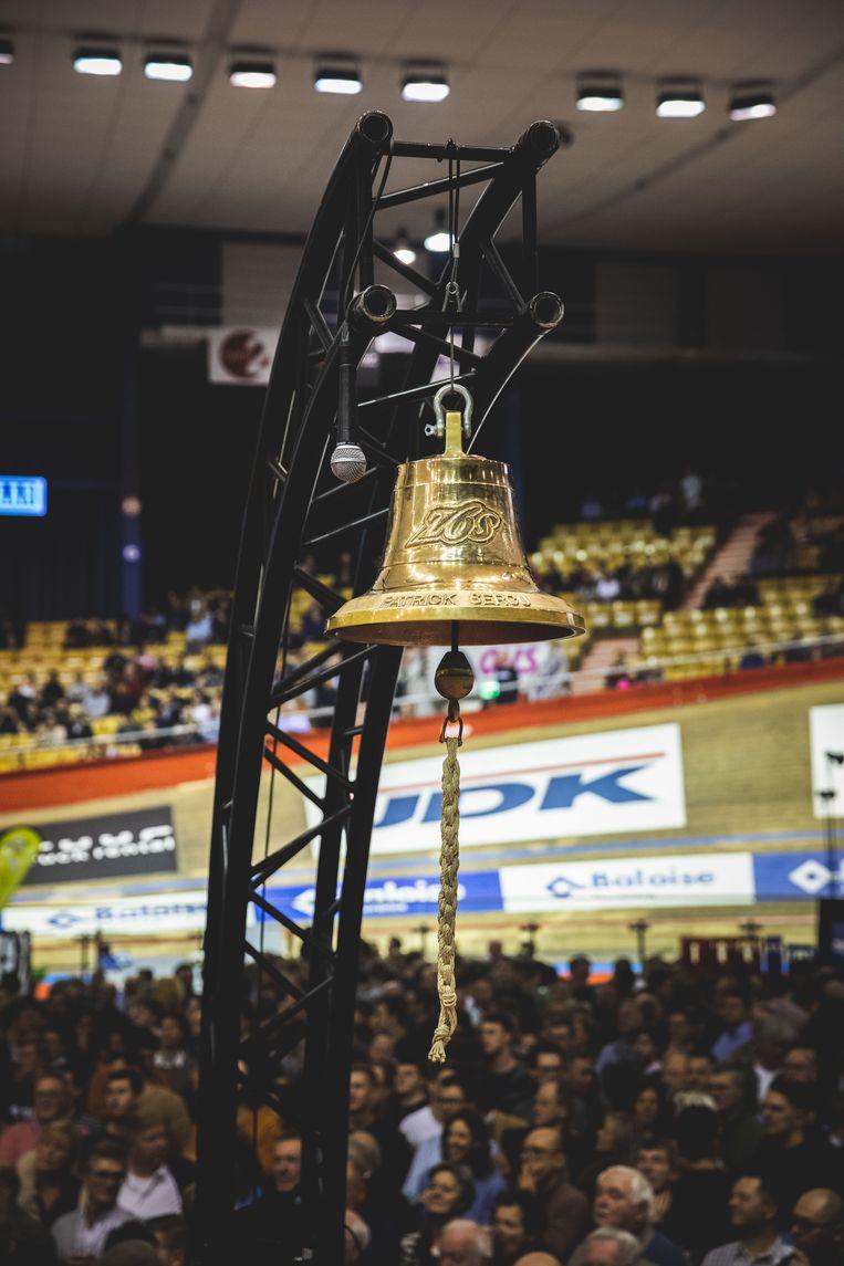 Onmisbaar op de Zesdaagse: de bel die de laatste ronde inluidt van elke wedstrijd.