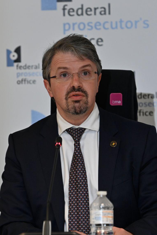 Federaal procureur Van Leeuw op de persconferentie na het grootscheepse politieoptreden van 9 maart. Beeld BELGA