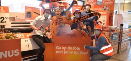 Supermarkt in Schipluiden kleurt oranje: 'Nu moeten we het waarmaken'