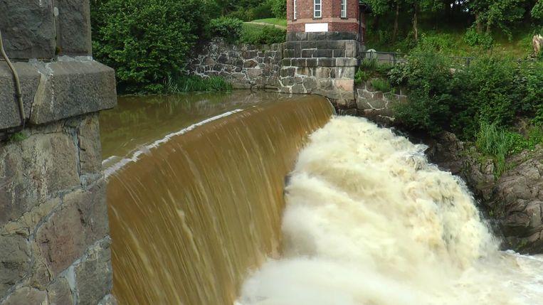 De dam in de Vantaarivier in Finland, wordt in juni verwijderd. Beeld