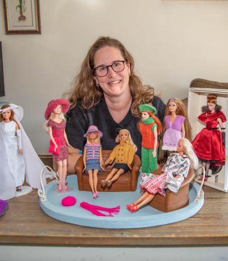 Aline maakt oude Barbies weer als nieuw: 'Ik geef ze nieuw haar of herstel ze met epoxy'