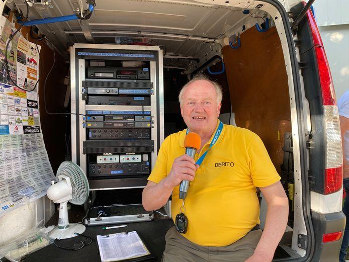 Wielercommentator Freddy Schollaert vloog er met zijn 45 jaar ervaring meteen in.