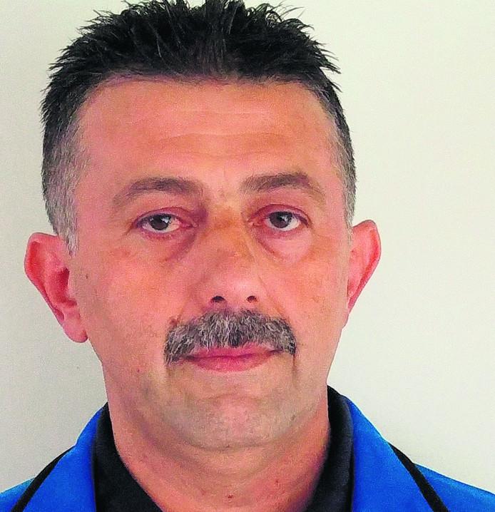 Salim Özer staat ook volgend seizoen voor de spelersgroep van Twello.