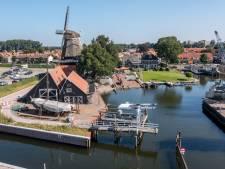 Harderwijkse Vissershaven op de schop: Vissersvrouwtje verhuist tijdelijk naar stadhuis