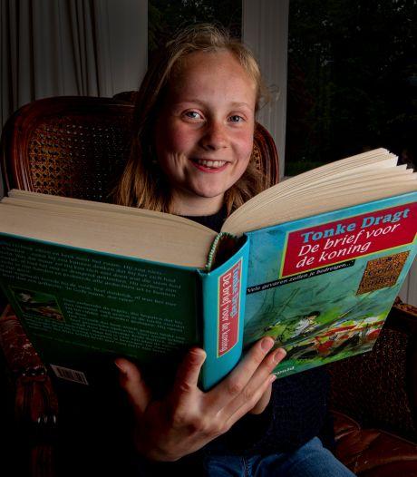 Nora Jonkers (12) uit Deventer in de finale om de beste voorlezer van het land te worden