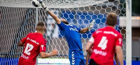 Helmond Sport-doelman Ferhat Kaya breekt zijn hand op de training