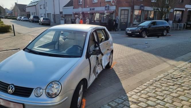 Minderjarige (17) crasht met gestolen auto na wilde achtervolging