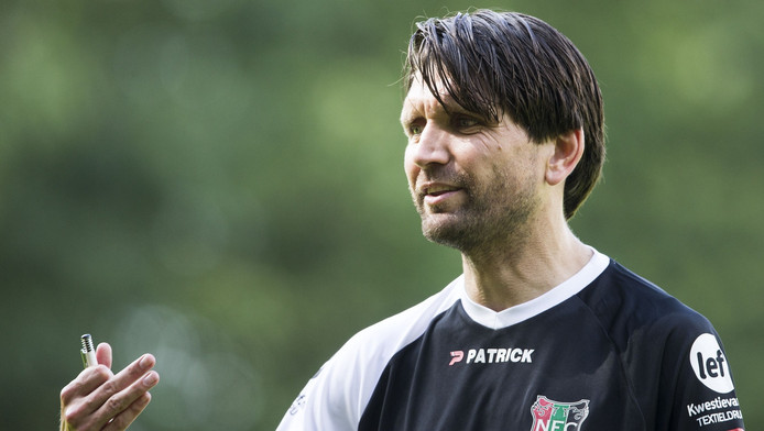 NEC-trainer Peter Hyballa.