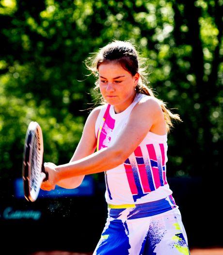 Probleem op probleem voor Apeldoornse tennisster, maar de blik kan nu weer vooruit