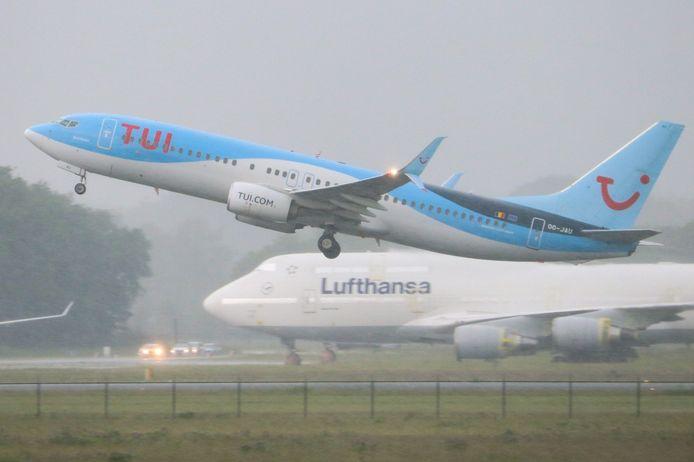 Een Boeing 737 van TUI zal een deel van de testvluchten uitvoeren.